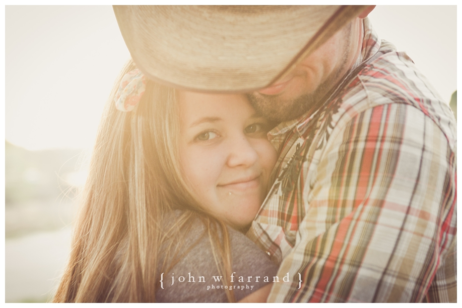 Andrew_Taryn_Bakersfield_Engagement_Photography_009.jpg