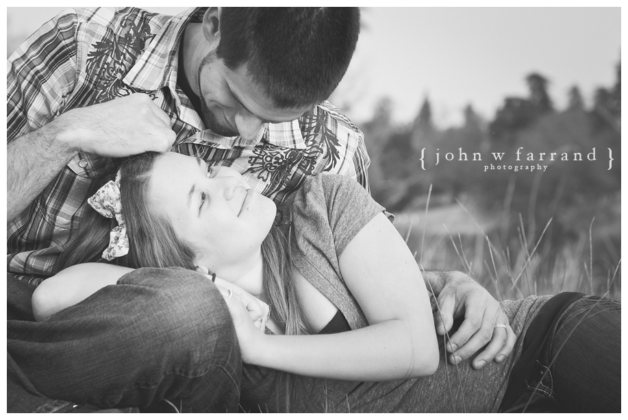 Andrew_Taryn_Bakersfield_Engagement_Photography_011.jpg