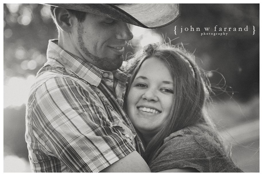 Andrew_Taryn_Bakersfield_Engagement_Photography_021.jpg