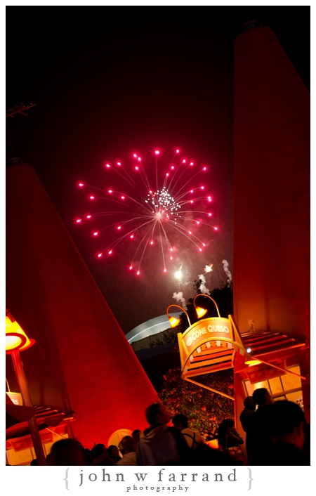 Cozy Cone Motel with Fireworks - Cars Land