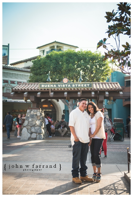 Disneyland-Engagement-Photography-Hinojosa_016.jpg