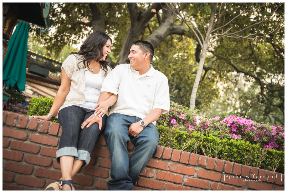 Disneyland-Engagement-Photography-Hinojosa_033.jpg