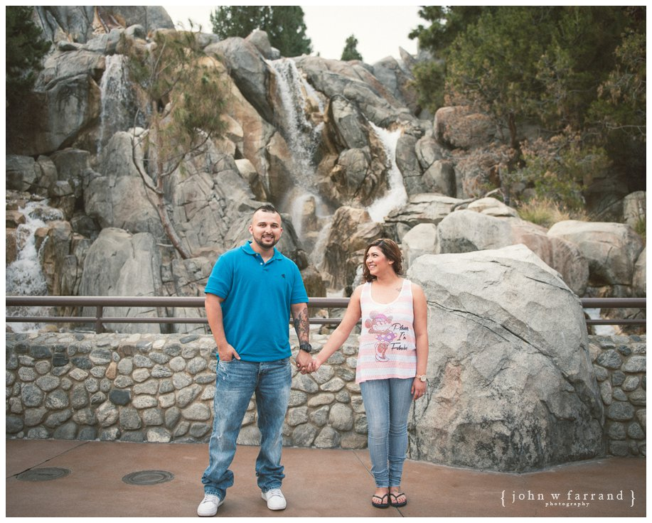 Disneyland-Engagement-Session_007.jpg