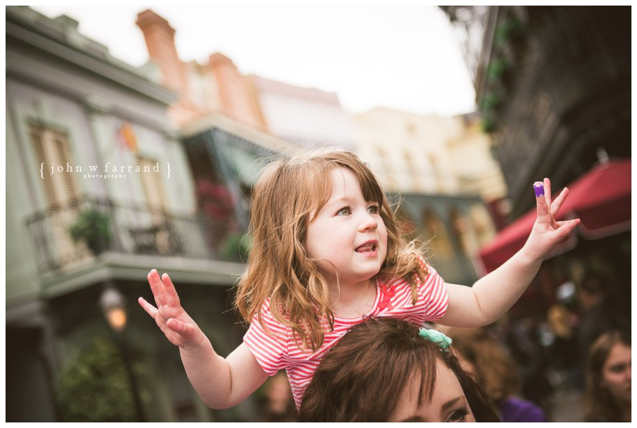 Disneyland-Family-Photography-Green_003.jpg