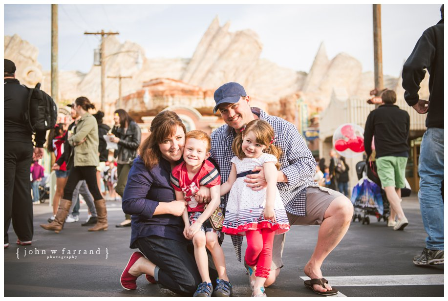 Disneyland-Family-Photography-Green_013.jpg